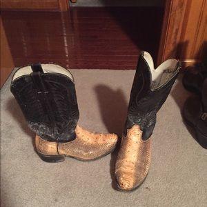 Durango snake skin boots size 10. Good condition!